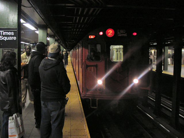 (58k, 640x480)<br><b>Country:</b> United States<br><b>City:</b> New York<br><b>System:</b> New York City Transit<br><b>Line:</b> IRT West Side Line<br><b>Location:</b> Times Square/42nd Street <br><b>Route:</b> 2<br><b>Car:</b> R-33 Main Line (St. Louis, 1962-63) 9017 <br><b>Photo by:</b> Dante D. Angerville<br><b>Date:</b> 12/11/2004<br><b>Viewed (this week/total):</b> 4 / 5594