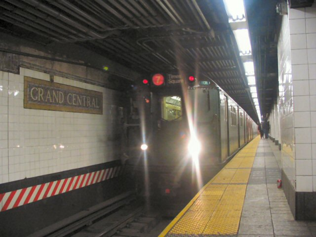 (58k, 640x480)<br><b>Country:</b> United States<br><b>City:</b> New York<br><b>System:</b> New York City Transit<br><b>Line:</b> IRT East Side Line<br><b>Location:</b> Grand Central <br><b>Route:</b> Fan Trip<br><b>Car:</b> R-33 Main Line (St. Louis, 1962-63) 9068 <br><b>Photo by:</b> Dante D. Angerville<br><b>Date:</b> 12/18/2004<br><b>Notes:</b> Train in regular passenger service, technically not a fan trip.<br><b>Viewed (this week/total):</b> 6 / 3973