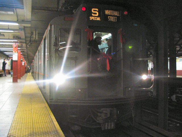 (59k, 640x480)<br><b>Country:</b> United States<br><b>City:</b> New York<br><b>System:</b> New York City Transit<br><b>Line:</b> BMT Broadway Line<br><b>Location:</b> Canal Street <br><b>Route:</b> Fan Trip<br><b>Car:</b> R-7A (Pullman, 1938)  1575 <br><b>Photo by:</b> Dante D. Angerville<br><b>Date:</b> 12/19/2004<br><b>Viewed (this week/total):</b> 0 / 3784