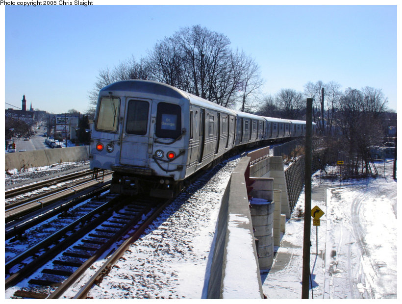 (184k, 820x620)<br><b>Country:</b> United States<br><b>City:</b> New York<br><b>System:</b> New York City Transit<br><b>Line:</b> SIRT<br><b>Location:</b> Clifton <br><b>Car:</b> R-44 SIRT (St. Louis, 1971-1973)  <br><b>Photo by:</b> Chris Slaight<br><b>Date:</b> 12/27/2004<br><b>Viewed (this week/total):</b> 1 / 4391