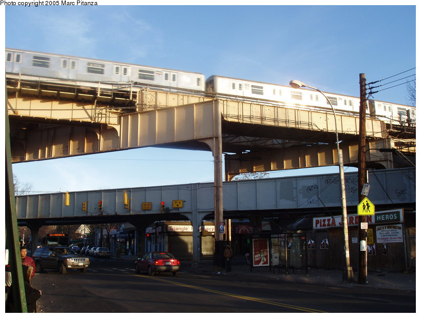 (122k, 820x620)<br><b>Country:</b> United States<br><b>City:</b> New York<br><b>System:</b> New York City Transit<br><b>Location:</b> Lefferts Blvd-Richmond Hill<br><b>Route:</b> J<br><b>Car:</b> R-42 (St. Louis, 1969-1970)  4669 <br><b>Photo by:</b> Marc Pitanza<br><b>Date:</b> 1/2/2005<br><b>Viewed (this week/total):</b> 0 / 3619