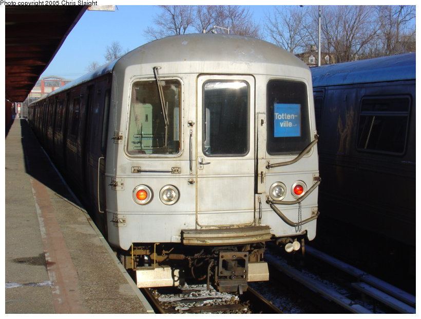 (129k, 820x620)<br><b>Country:</b> United States<br><b>City:</b> New York<br><b>System:</b> New York City Transit<br><b>Line:</b> SIRT<br><b>Location:</b> Tottenville <br><b>Car:</b> R-44 SIRT (St. Louis, 1971-1973)  <br><b>Photo by:</b> Chris Slaight<br><b>Date:</b> 12/27/2004<br><b>Viewed (this week/total):</b> 3 / 3368