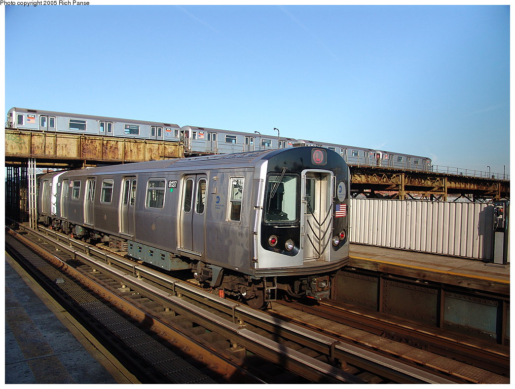 (219k, 1044x788)<br><b>Country:</b> United States<br><b>City:</b> New York<br><b>System:</b> New York City Transit<br><b>Line:</b> BMT Canarsie Line<br><b>Location:</b> Livonia Avenue <br><b>Route:</b> L<br><b>Car:</b> R-143 (Kawasaki, 2001-2002) 8137 <br><b>Photo by:</b> Richard Panse<br><b>Date:</b> 1/1/2005<br><b>Viewed (this week/total):</b> 2 / 4491