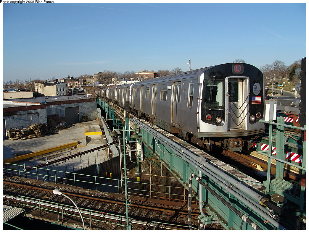 (275k, 1044x788)<br><b>Country:</b> United States<br><b>City:</b> New York<br><b>System:</b> New York City Transit<br><b>Line:</b> BMT Canarsie Line<br><b>Location:</b> Broadway Junction <br><b>Route:</b> L<br><b>Car:</b> R-143 (Kawasaki, 2001-2002) 8169 <br><b>Photo by:</b> Richard Panse<br><b>Date:</b> 1/1/2005<br><b>Viewed (this week/total):</b> 0 / 5153