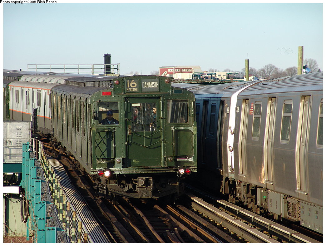(236k, 1044x788)<br><b>Country:</b> United States<br><b>City:</b> New York<br><b>System:</b> New York City Transit<br><b>Line:</b> BMT Canarsie Line<br><b>Location:</b> Sutter Avenue <br><b>Route:</b> Fan Trip<br><b>Car:</b> R-1 (American Car & Foundry, 1930-1931) 100 <br><b>Photo by:</b> Richard Panse<br><b>Date:</b> 1/1/2005<br><b>Viewed (this week/total):</b> 0 / 3672