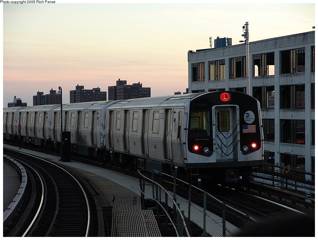(189k, 1044x788)<br><b>Country:</b> United States<br><b>City:</b> New York<br><b>System:</b> New York City Transit<br><b>Line:</b> BMT Canarsie Line<br><b>Location:</b> Atlantic Avenue <br><b>Route:</b> L<br><b>Car:</b> R-143 (Kawasaki, 2001-2002) 8220 <br><b>Photo by:</b> Richard Panse<br><b>Date:</b> 1/1/2005<br><b>Viewed (this week/total):</b> 2 / 4373