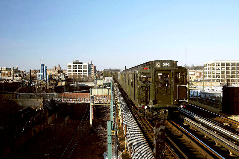 (116k, 800x532)<br><b>Country:</b> United States<br><b>City:</b> New York<br><b>System:</b> New York City Transit<br><b>Line:</b> BMT Canarsie Line<br><b>Location:</b> Sutter Avenue <br><b>Route:</b> Fan Trip<br><b>Car:</b> R-1 (American Car & Foundry, 1930-1931) 100 <br><b>Photo by:</b> Fred Guenther<br><b>Date:</b> 1/1/2005<br><b>Viewed (this week/total):</b> 0 / 3060