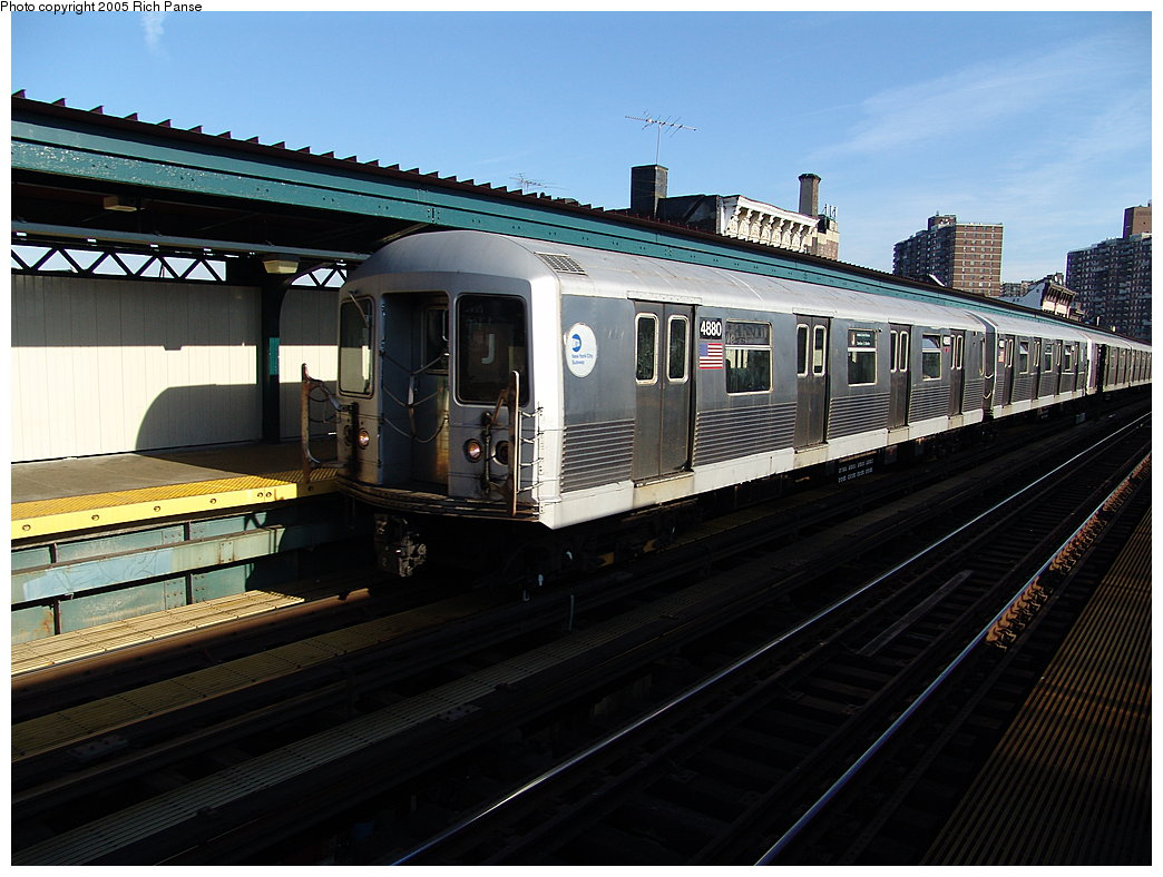 (188k, 1044x788)<br><b>Country:</b> United States<br><b>City:</b> New York<br><b>System:</b> New York City Transit<br><b>Line:</b> BMT Nassau Street/Jamaica Line<br><b>Location:</b> Hewes Street <br><b>Route:</b> J<br><b>Car:</b> R-42 (St. Louis, 1969-1970)  4880 <br><b>Photo by:</b> Richard Panse<br><b>Date:</b> 1/1/2005<br><b>Viewed (this week/total):</b> 3 / 2891