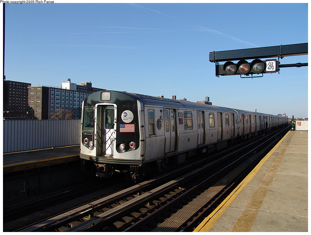 (183k, 1044x788)<br><b>Country:</b> United States<br><b>City:</b> New York<br><b>System:</b> New York City Transit<br><b>Line:</b> BMT Canarsie Line<br><b>Location:</b> Sutter Avenue <br><b>Route:</b> L<br><b>Car:</b> R-143 (Kawasaki, 2001-2002) 8121 <br><b>Photo by:</b> Richard Panse<br><b>Date:</b> 1/1/2005<br><b>Viewed (this week/total):</b> 0 / 3107