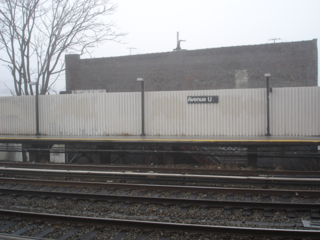(145k, 640x480)<br><b>Country:</b> United States<br><b>City:</b> New York<br><b>System:</b> New York City Transit<br><b>Line:</b> BMT Brighton Line<br><b>Location:</b> Avenue U <br><b>Photo by:</b> Kris Naudus<br><b>Date:</b> 1/13/2004<br><b>Notes:</b> View of southbound platform, closed south exit visible just below the station wall/platform.<br><b>Viewed (this week/total):</b> 2 / 1383