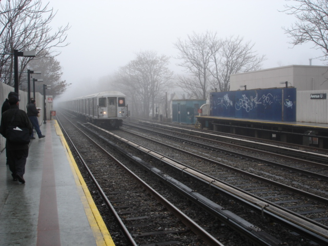 (139k, 640x480)<br><b>Country:</b> United States<br><b>City:</b> New York<br><b>System:</b> New York City Transit<br><b>Line:</b> BMT Brighton Line<br><b>Location:</b> Avenue U <br><b>Photo by:</b> Kris Naudus<br><b>Date:</b> 1/13/2004<br><b>Viewed (this week/total):</b> 0 / 2117