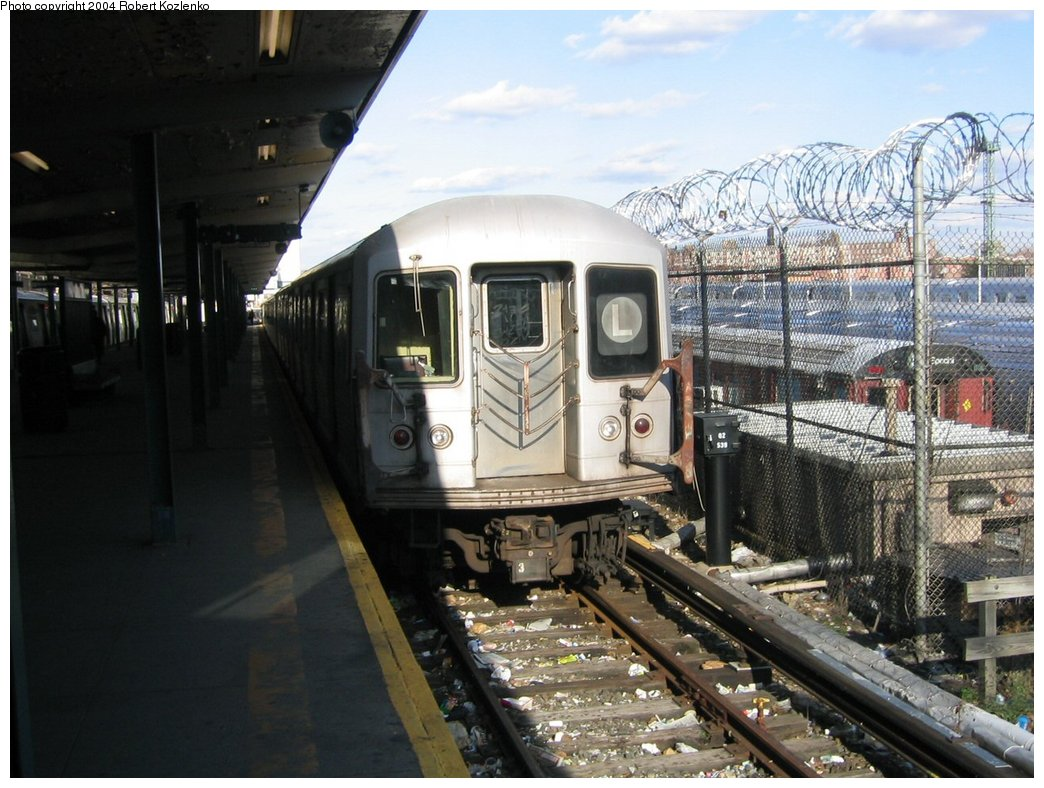 (181k, 1044x788)<br><b>Country:</b> United States<br><b>City:</b> New York<br><b>System:</b> New York City Transit<br><b>Line:</b> BMT Canarsie Line<br><b>Location:</b> Rockaway Parkway <br><b>Route:</b> L<br><b>Car:</b> R-42 (St. Louis, 1969-1970)   <br><b>Photo by:</b> Robert Kozlenko<br><b>Date:</b> 11/26/2004<br><b>Viewed (this week/total):</b> 2 / 3275