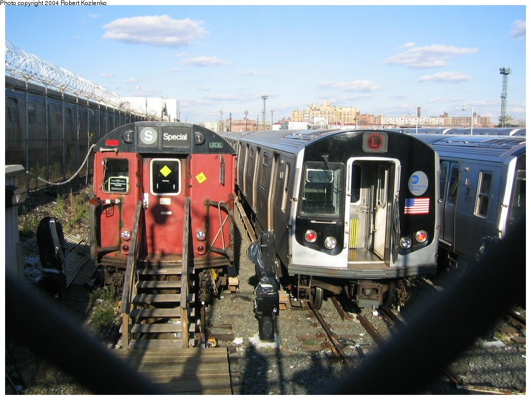 (181k, 1044x788)<br><b>Country:</b> United States<br><b>City:</b> New York<br><b>System:</b> New York City Transit<br><b>Location:</b> Rockaway Parkway (Canarsie) Yard<br><b>Car:</b> R-26 (American Car & Foundry, 1959-60) 7771 <br><b>Photo by:</b> Robert Kozlenko<br><b>Date:</b> 11/26/2004<br><b>Viewed (this week/total):</b> 2 / 5008