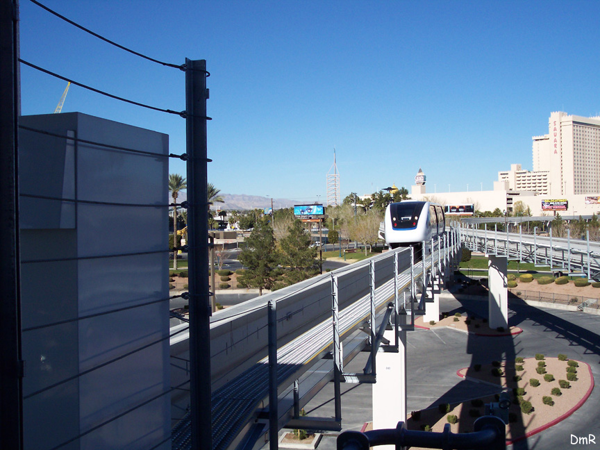 (212k, 864x648)<br><b>Country:</b> United States<br><b>City:</b> Las Vegas, NV<br><b>System:</b> Las Vegas Monorail<br><b>Location:</b> Las Vegas Hilton <br><b>Photo by:</b> D. Reinecke<br><b>Date:</b> 1/13/2005<br><b>Notes:</b> White train entering Hilton Station<br><b>Viewed (this week/total):</b> 1 / 3083