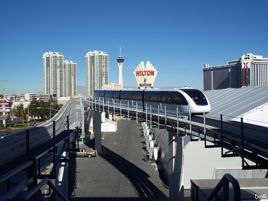 (224k, 864x648)<br><b>Country:</b> United States<br><b>City:</b> Las Vegas, NV<br><b>System:</b> Las Vegas Monorail<br><b>Location:</b> Las Vegas Convention Center <br><b>Photo by:</b> D. Reinecke<br><b>Date:</b> 1/13/2005<br><b>Notes:</b> White train heading northbound<br><b>Viewed (this week/total):</b> 5 / 3576