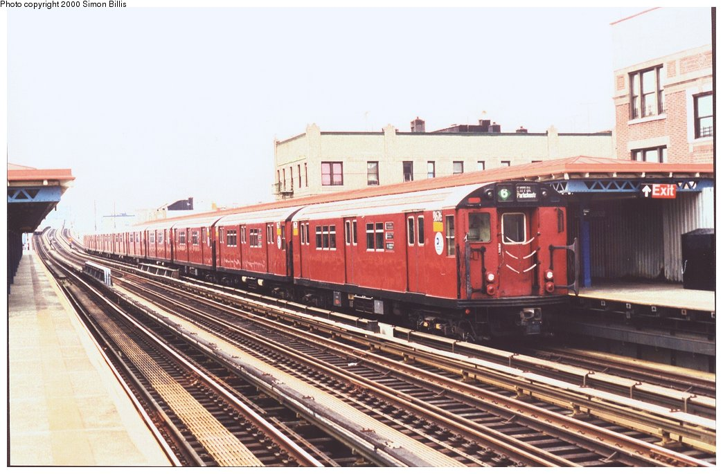 (150k, 1044x685)<br><b>Country:</b> United States<br><b>City:</b> New York<br><b>System:</b> New York City Transit<br><b>Line:</b> IRT Pelham Line<br><b>Location:</b> Elder Avenue <br><b>Route:</b> 6<br><b>Car:</b> R-29 (St. Louis, 1962) 8676 <br><b>Photo by:</b> Simon Billis<br><b>Date:</b> 11/2000<br><b>Viewed (this week/total):</b> 2 / 3302