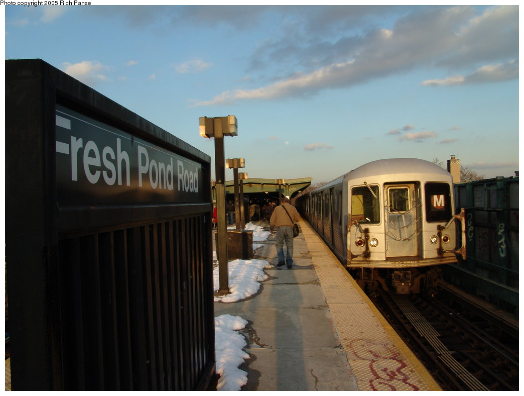 (135k, 1044x788)<br><b>Country:</b> United States<br><b>City:</b> New York<br><b>System:</b> New York City Transit<br><b>Line:</b> BMT Myrtle Avenue Line<br><b>Location:</b> Fresh Pond Road <br><b>Car:</b> R-42 (St. Louis, 1969-1970)   <br><b>Photo by:</b> Richard Panse<br><b>Date:</b> 2/22/2005<br><b>Viewed (this week/total):</b> 2 / 3529