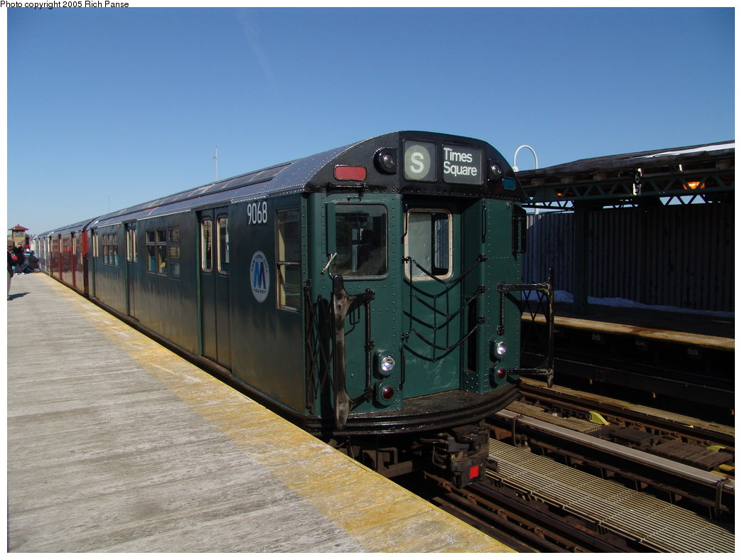 (171k, 1044x788)<br><b>Country:</b> United States<br><b>City:</b> New York<br><b>System:</b> New York City Transit<br><b>Line:</b> IRT White Plains Road Line<br><b>Location:</b> 238th Street (Nereid Avenue) <br><b>Route:</b> Fan Trip<br><b>Car:</b> R-33 Main Line (St. Louis, 1962-63) 9068 <br><b>Photo by:</b> Richard Panse<br><b>Date:</b> 2/27/2005<br><b>Viewed (this week/total):</b> 0 / 3015