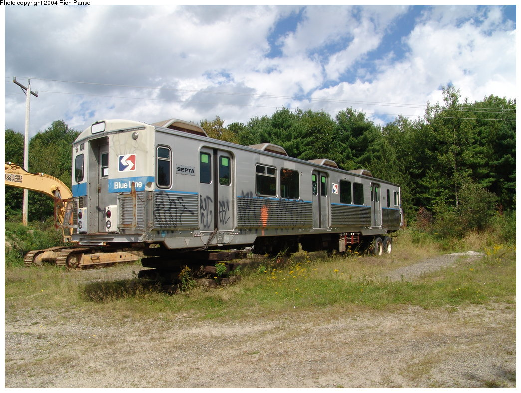 (245k, 1044x788)<br><b>Country:</b> United States<br><b>City:</b> Kennebunk, ME<br><b>System:</b> Seashore Trolley Museum <br><b>Car:</b> SEPTA M-3 (Budd, 1960) 618 <br><b>Photo by:</b> Richard Panse<br><b>Date:</b> 9/4/2004<br><b>Viewed (this week/total):</b> 1 / 3248