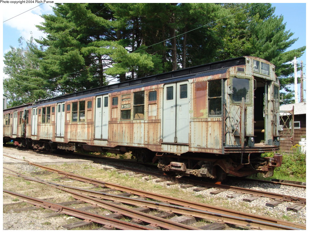 (308k, 1044x788)<br><b>Country:</b> United States<br><b>City:</b> Kennebunk, ME<br><b>System:</b> Seashore Trolley Museum <br><b>Car:</b> R-4 (American Car & Foundry, 1932-1933) 800 <br><b>Photo by:</b> Richard Panse<br><b>Date:</b> 9/4/2004<br><b>Viewed (this week/total):</b> 2 / 2187
