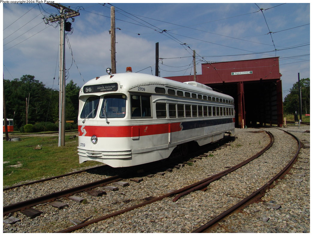 (242k, 1044x788)<br><b>Country:</b> United States<br><b>City:</b> Kennebunk, ME<br><b>System:</b> Seashore Trolley Museum <br><b>Car:</b> PTC/SEPTA Postwar All-electric PCC (St.Louis, 1947)  2709 <br><b>Photo by:</b> Richard Panse<br><b>Date:</b> 9/4/2004<br><b>Viewed (this week/total):</b> 0 / 1819