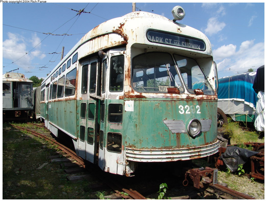 (232k, 1044x788)<br><b>Country:</b> United States<br><b>City:</b> Kennebunk, ME<br><b>System:</b> Seashore Trolley Museum <br><b>Car:</b> MBTA/BSRy PCC Post-War Picture Window (Pullman-Standard, 1951)  3292 <br><b>Photo by:</b> Richard Panse<br><b>Date:</b> 9/4/2004<br><b>Viewed (this week/total):</b> 0 / 2646