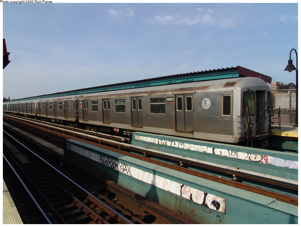 (175k, 1044x788)<br><b>Country:</b> United States<br><b>City:</b> New York<br><b>System:</b> New York City Transit<br><b>Line:</b> BMT Nassau Street/Jamaica Line<br><b>Location:</b> Gates Avenue <br><b>Route:</b> J<br><b>Car:</b> R-42 (St. Louis, 1969-1970)  4691 <br><b>Photo by:</b> Richard Panse<br><b>Date:</b> 3/16/2005<br><b>Viewed (this week/total):</b> 1 / 2760