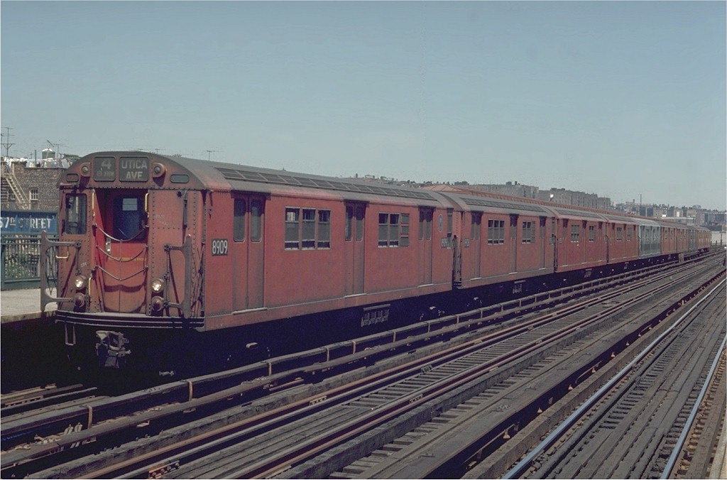 (168k, 1024x676)<br><b>Country:</b> United States<br><b>City:</b> New York<br><b>System:</b> New York City Transit<br><b>Line:</b> IRT Woodlawn Line<br><b>Location:</b> 167th Street <br><b>Route:</b> 4<br><b>Car:</b> R-33 Main Line (St. Louis, 1962-63) 8909 <br><b>Photo by:</b> Joe Testagrose<br><b>Date:</b> 5/30/1970<br><b>Viewed (this week/total):</b> 1 / 2760