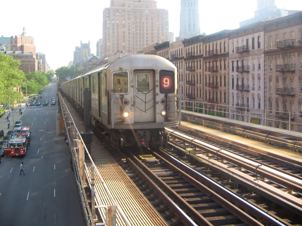 (282k, 1024x768)<br><b>Country:</b> United States<br><b>City:</b> New York<br><b>System:</b> New York City Transit<br><b>Line:</b> IRT West Side Line<br><b>Location:</b> 125th Street <br><b>Route:</b> 9<br><b>Car:</b> R-62A (Bombardier, 1984-1987)  2434 <br><b>Photo by:</b> Jose Martinez<br><b>Date:</b> 5/27/2005<br><b>Notes:</b> Last day of the skip-stop #9 service.<br><b>Viewed (this week/total):</b> 3 / 5526