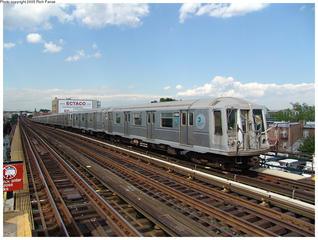 (212k, 1044x788)<br><b>Country:</b> United States<br><b>City:</b> New York<br><b>System:</b> New York City Transit<br><b>Line:</b> BMT Astoria Line<br><b>Location:</b> Broadway <br><b>Route:</b> W<br><b>Car:</b> R-40 (St. Louis, 1968)  4184 <br><b>Photo by:</b> Richard Panse<br><b>Date:</b> 5/30/2005<br><b>Viewed (this week/total):</b> 1 / 3243