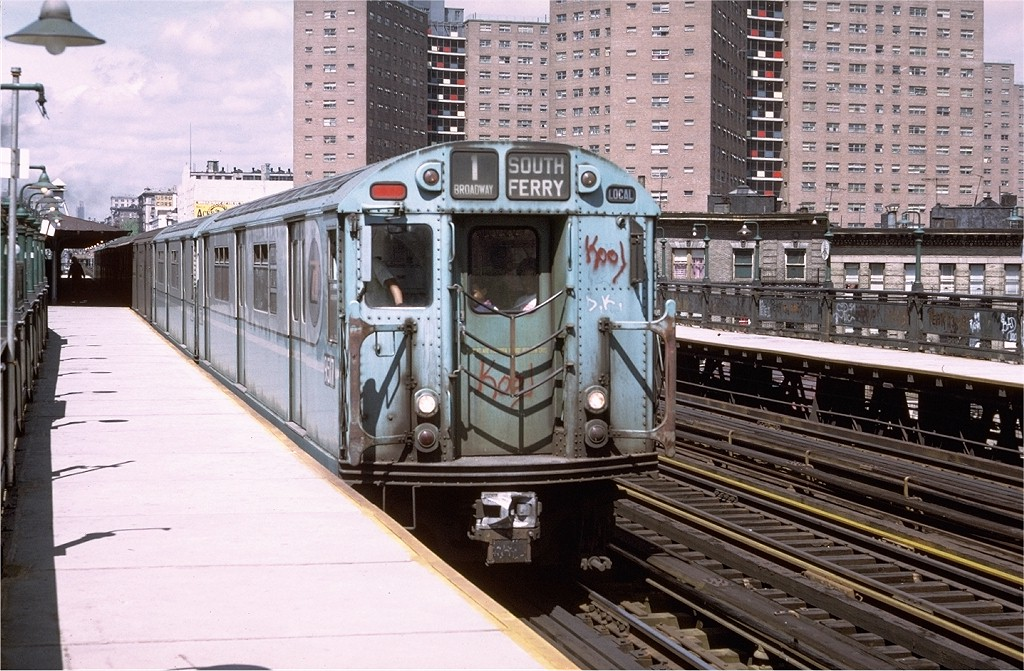 (238k, 1024x671)<br><b>Country:</b> United States<br><b>City:</b> New York<br><b>System:</b> New York City Transit<br><b>Line:</b> IRT West Side Line<br><b>Location:</b> 125th Street <br><b>Route:</b> 1<br><b>Car:</b> R-36 World's Fair (St. Louis, 1963-64) 9517 <br><b>Photo by:</b> Doug Grotjahn<br><b>Collection of:</b> Joe Testagrose<br><b>Date:</b> 5/21/1972<br><b>Viewed (this week/total):</b> 4 / 1996