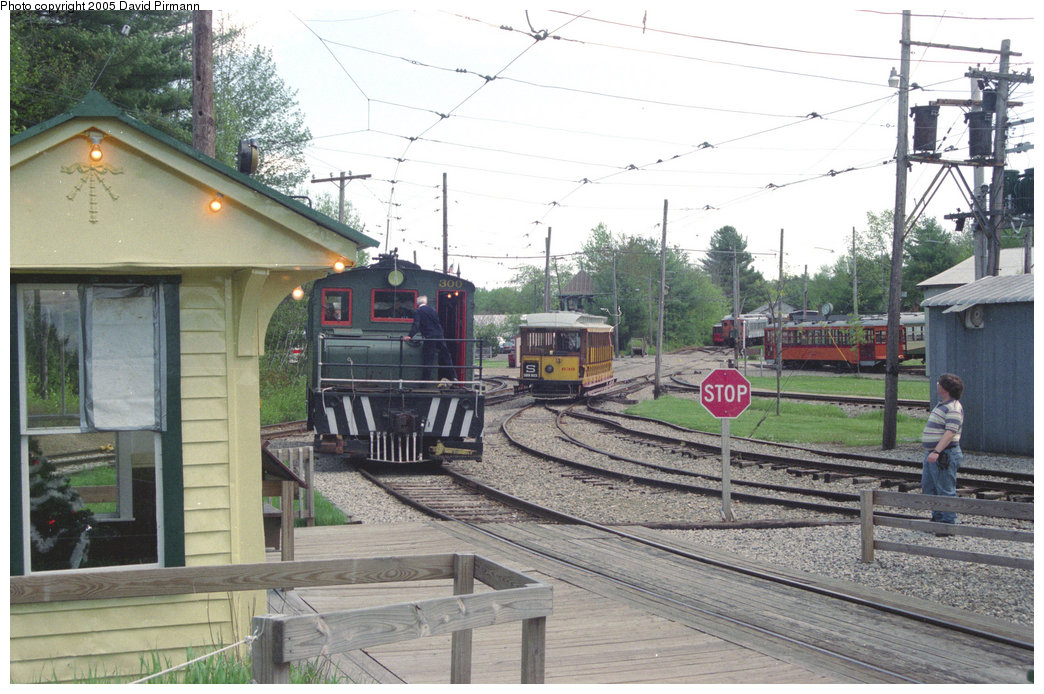 (215k, 1044x694)<br><b>Country:</b> United States<br><b>City:</b> Kennebunk, ME<br><b>System:</b> Seashore Trolley Museum <br><b>Car:</b> Oshawa Railway (Baldwin/Westinghouse) 300 <br><b>Photo by:</b> David Pirmann<br><b>Date:</b> 5/25/1996<br><b>Viewed (this week/total):</b> 0 / 1453