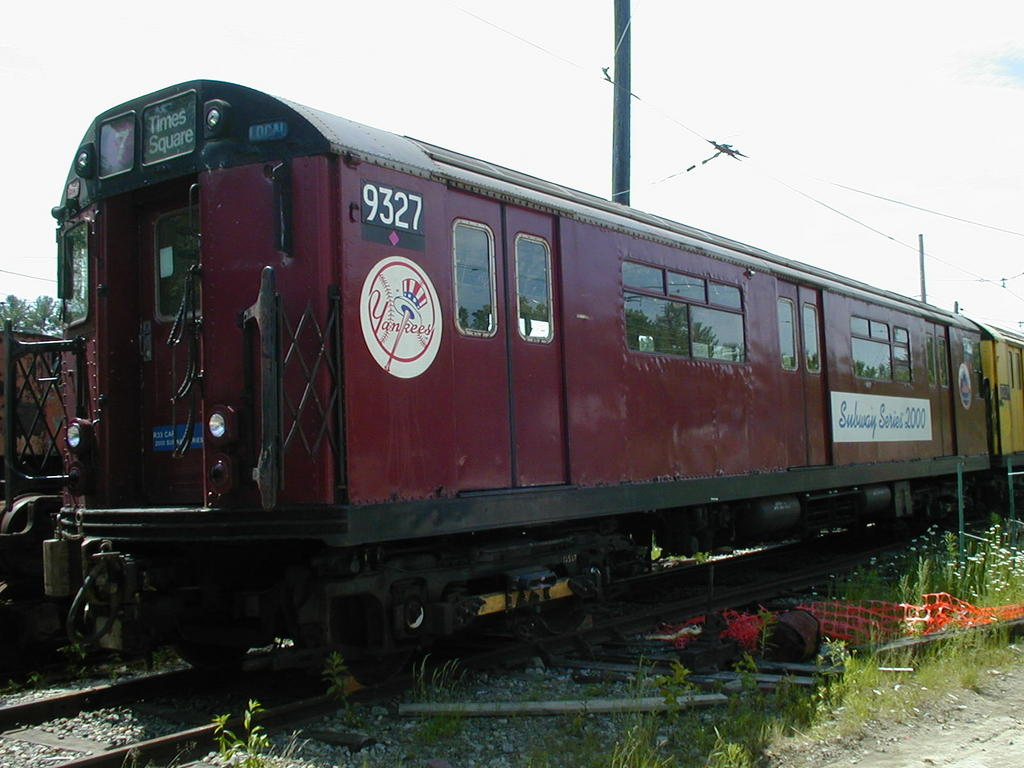 (113k, 1024x768)<br><b>Country:</b> United States<br><b>City:</b> Kennebunk, ME<br><b>System:</b> Seashore Trolley Museum <br><b>Car:</b> R-33 World's Fair (St. Louis, 1963-64) 9327 <br><b>Photo by:</b> Todd Glickman<br><b>Date:</b> 6/24/2005<br><b>Viewed (this week/total):</b> 10 / 5018