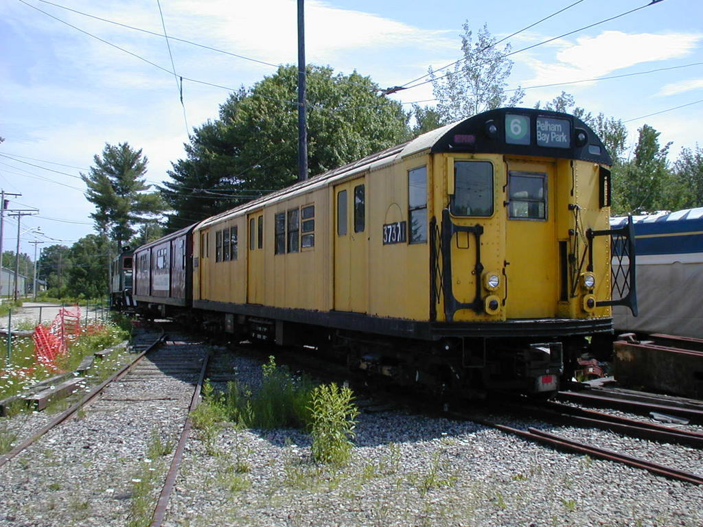 (178k, 1024x768)<br><b>Country:</b> United States<br><b>City:</b> Kennebunk, ME<br><b>System:</b> Seashore Trolley Museum <br><b>Car:</b> R-22 (St. Louis, 1957-58) 37371 <br><b>Photo by:</b> Todd Glickman<br><b>Date:</b> 6/24/2005<br><b>Viewed (this week/total):</b> 1 / 3515