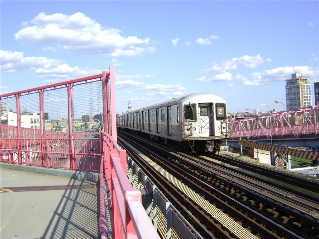 (138k, 1024x768)<br><b>Country:</b> United States<br><b>City:</b> New York<br><b>System:</b> New York City Transit<br><b>Line:</b> BMT Nassau Street/Jamaica Line<br><b>Location:</b> Williamsburg Bridge<br><b>Route:</b> Z<br><b>Car:</b> R-42 (St. Louis, 1969-1970)   <br><b>Photo by:</b> Emmanuel Robinson<br><b>Date:</b> 8/7/2009<br><b>Viewed (this week/total):</b> 0 / 562