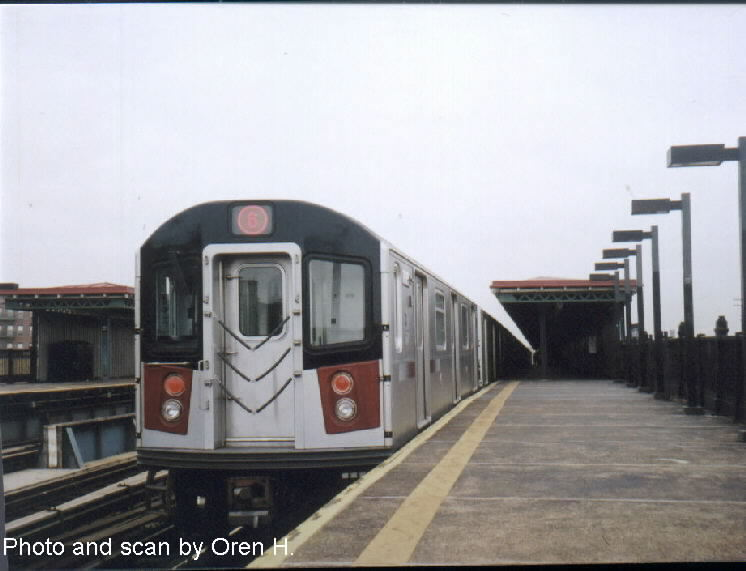 (52k, 746x571)<br><b>Country:</b> United States<br><b>City:</b> New York<br><b>System:</b> New York City Transit<br><b>Line:</b> IRT Pelham Line<br><b>Location:</b> Whitlock Avenue <br><b>Route:</b> 6<br><b>Car:</b> R-142A (Primary Order, Kawasaki, 1999-2002)  7435 <br><b>Photo by:</b> Oren H.<br><b>Date:</b> 5/26/2002<br><b>Viewed (this week/total):</b> 2 / 2797