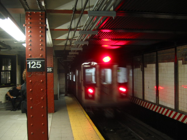 (95k, 640x480)<br><b>Country:</b> United States<br><b>City:</b> New York<br><b>System:</b> New York City Transit<br><b>Line:</b> IRT East Side Line<br><b>Location:</b> 125th Street <br><b>Route:</b> 6<br><b>Car:</b> R-142 or R-142A (Number Unknown)  <br><b>Photo by:</b> Oren H.<br><b>Date:</b> 8/6/2002<br><b>Viewed (this week/total):</b> 2 / 5850