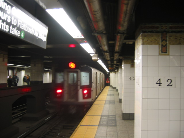 (75k, 640x480)<br><b>Country:</b> United States<br><b>City:</b> New York<br><b>System:</b> New York City Transit<br><b>Line:</b> IRT East Side Line<br><b>Location:</b> Grand Central <br><b>Route:</b> 6<br><b>Car:</b> R-142A (Option Order, Kawasaki, 2002-2003)  7661 <br><b>Photo by:</b> Oren H.<br><b>Date:</b> 11/30/2002<br><b>Viewed (this week/total):</b> 1 / 4145