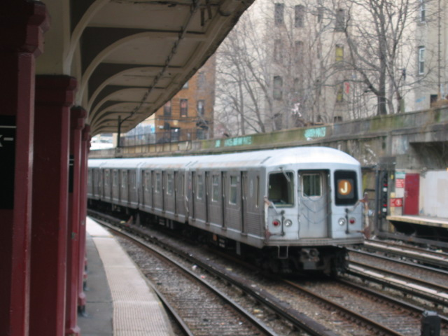 (99k, 640x480)<br><b>Country:</b> United States<br><b>City:</b> New York<br><b>System:</b> New York City Transit<br><b>Line:</b> BMT Brighton Line<br><b>Location:</b> Parkside Avenue <br><b>Route:</b> J<br><b>Car:</b> R-40M (St. Louis, 1969)  4461 <br><b>Photo by:</b> Oren H.<br><b>Date:</b> 1/15/2005<br><b>Notes:</b> Construction shuttle service.<br><b>Viewed (this week/total):</b> 0 / 4042