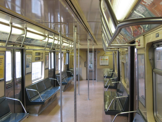 (119k, 640x480)<br><b>Country:</b> United States<br><b>City:</b> New York<br><b>System:</b> New York City Transit<br><b>Car:</b> R-40M (St. Louis, 1969)  Interior <br><b>Photo by:</b> Oren H.<br><b>Viewed (this week/total):</b> 3 / 2577