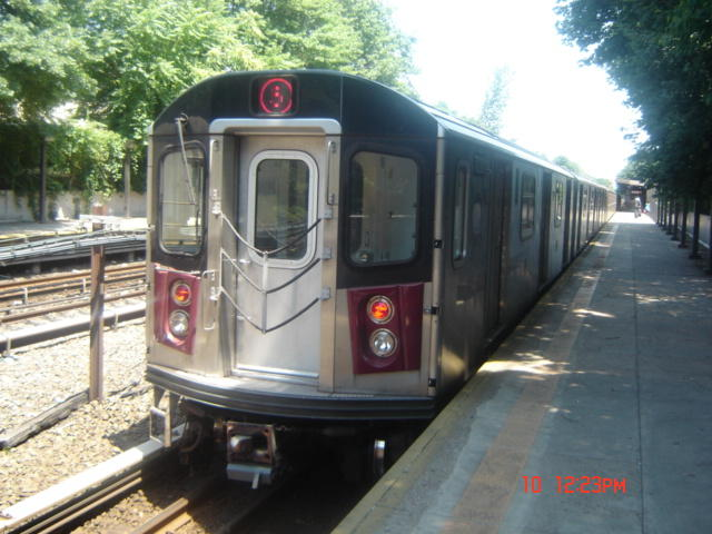 (61k, 640x480)<br><b>Country:</b> United States<br><b>City:</b> New York<br><b>System:</b> New York City Transit<br><b>Line:</b> IRT Dyre Ave. Line<br><b>Location:</b> Baychester Avenue <br><b>Route:</b> 5<br><b>Car:</b> R-142 (Option Order, Bombardier, 2002-2003)  7030 <br><b>Photo by:</b> DeAndre Burrell<br><b>Date:</b> 7/10/2005<br><b>Viewed (this week/total):</b> 0 / 3710