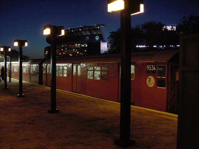 (61k, 640x480)<br><b>Country:</b> United States<br><b>City:</b> New York<br><b>System:</b> New York City Transit<br><b>Line:</b> IRT Flushing Line<br><b>Location:</b> Willets Point/Mets (fmr. Shea Stadium) <br><b>Route:</b> 7<br><b>Car:</b> R-36 Main Line (St. Louis, 1964) 9534 <br><b>Photo by:</b> Salaam Allah<br><b>Date:</b> 9/18/2002<br><b>Viewed (this week/total):</b> 2 / 3052