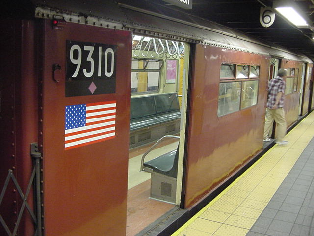 (60k, 640x480)<br><b>Country:</b> United States<br><b>City:</b> New York<br><b>System:</b> New York City Transit<br><b>Line:</b> IRT Flushing Line<br><b>Location:</b> Times Square <br><b>Car:</b> R-33 World's Fair (St. Louis, 1963-64) 9310 <br><b>Photo by:</b> Salaam Allah<br><b>Date:</b> 9/21/2002<br><b>Viewed (this week/total):</b> 3 / 3890