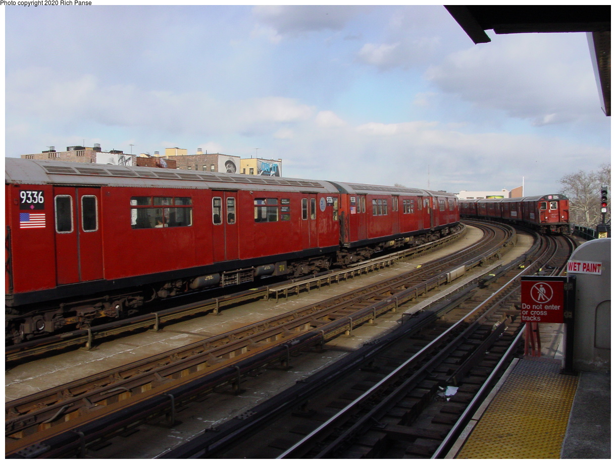 (69k, 820x620)<br><b>Country:</b> United States<br><b>City:</b> New York<br><b>System:</b> New York City Transit<br><b>Line:</b> IRT Flushing Line<br><b>Location:</b> 46th Street/Bliss Street <br><b>Route:</b> 7<br><b>Car:</b> R-33 World's Fair (St. Louis, 1963-64) 9336 <br><b>Photo by:</b> Richard Panse<br><b>Date:</b> 3/22/2002<br><b>Viewed (this week/total):</b> 2 / 2676