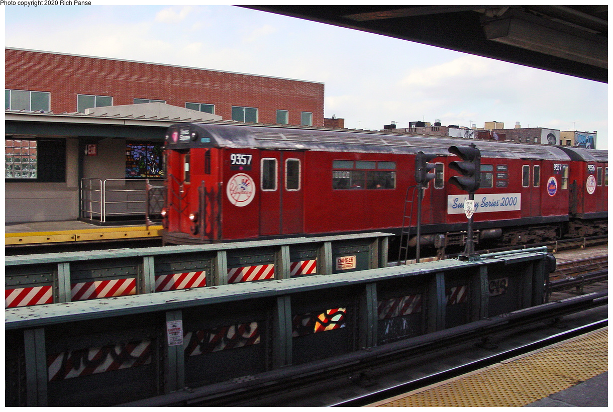 (62k, 820x620)<br><b>Country:</b> United States<br><b>City:</b> New York<br><b>System:</b> New York City Transit<br><b>Line:</b> IRT Flushing Line<br><b>Location:</b> 46th Street/Bliss Street <br><b>Route:</b> 7<br><b>Car:</b> R-36 World's Fair (St. Louis, 1963-64) 9357 <br><b>Photo by:</b> Richard Panse<br><b>Date:</b> 3/22/2002<br><b>Viewed (this week/total):</b> 1 / 4119