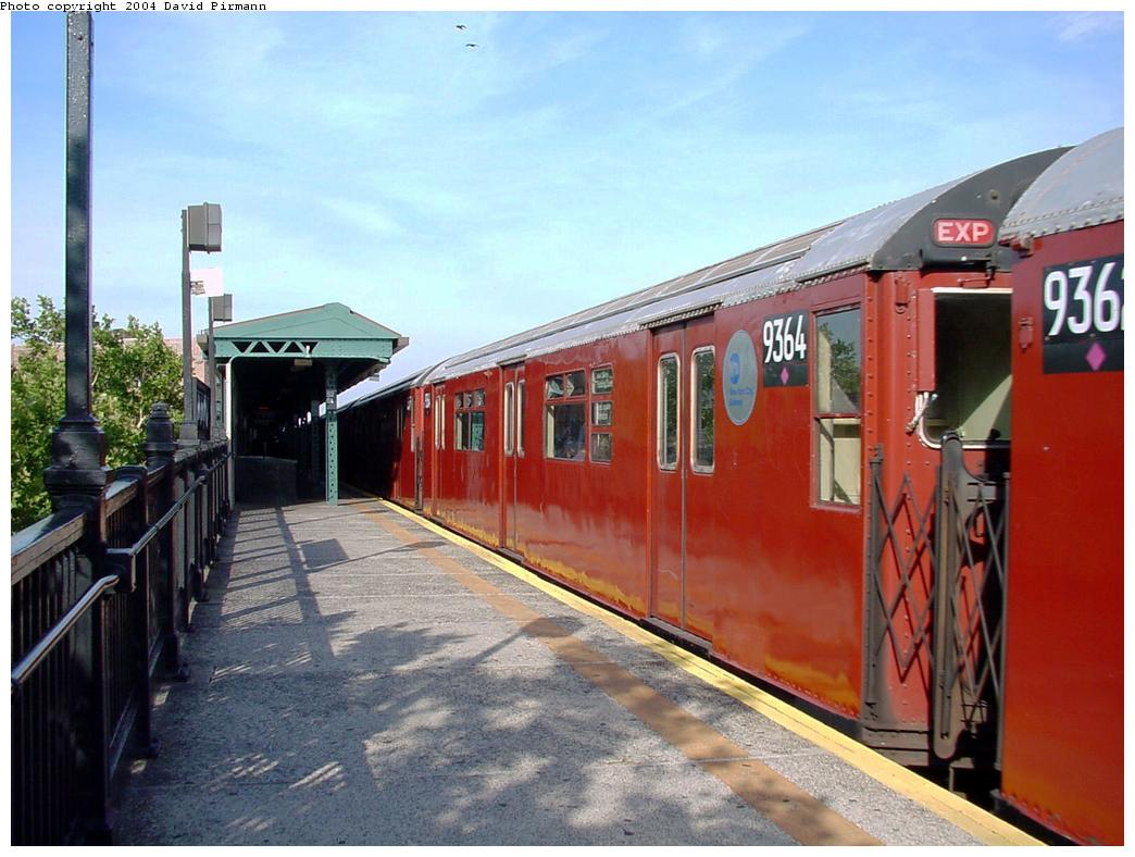 (126k, 1044x788)<br><b>Country:</b> United States<br><b>City:</b> New York<br><b>System:</b> New York City Transit<br><b>Line:</b> IRT Flushing Line<br><b>Location:</b> 52nd Street/Lincoln Avenue <br><b>Route:</b> 7<br><b>Car:</b> R-36 World's Fair (St. Louis, 1963-64) 9364 <br><b>Photo by:</b> David Pirmann<br><b>Date:</b> 7/16/2001<br><b>Viewed (this week/total):</b> 0 / 3364