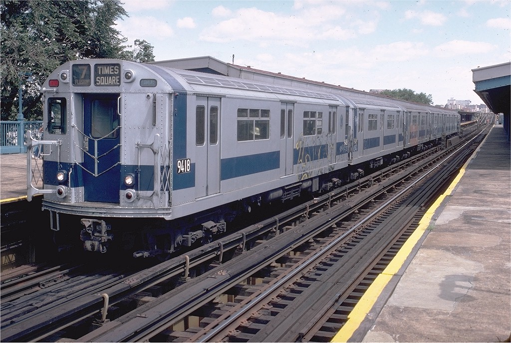 (248k, 1024x688)<br><b>Country:</b> United States<br><b>City:</b> New York<br><b>System:</b> New York City Transit<br><b>Line:</b> IRT Flushing Line<br><b>Location:</b> Willets Point/Mets (fmr. Shea Stadium) <br><b>Route:</b> 7<br><b>Car:</b> R-36 World's Fair (St. Louis, 1963-64) 9418 <br><b>Collection of:</b> Joe Testagrose<br><b>Date:</b> 8/16/1980<br><b>Viewed (this week/total):</b> 0 / 3889