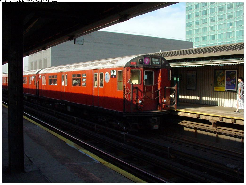 (112k, 1044x788)<br><b>Country:</b> United States<br><b>City:</b> New York<br><b>System:</b> New York City Transit<br><b>Line:</b> IRT Flushing Line<br><b>Location:</b> Court House Square/45th Road <br><b>Route:</b> 7<br><b>Car:</b> R-36 World's Fair (St. Louis, 1963-64) 9471 <br><b>Photo by:</b> David Pirmann<br><b>Date:</b> 7/16/2001<br><b>Viewed (this week/total):</b> 0 / 3031