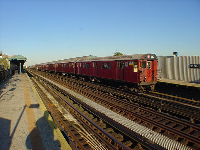 (59k, 640x480)<br><b>Country:</b> United States<br><b>City:</b> New York<br><b>System:</b> New York City Transit<br><b>Line:</b> IRT Flushing Line<br><b>Location:</b> 52nd Street/Lincoln Avenue <br><b>Route:</b> 7<br><b>Car:</b> R-36 World's Fair (St. Louis, 1963-64) 9605 <br><b>Photo by:</b> Salaam Allah<br><b>Date:</b> 9/17/2002<br><b>Viewed (this week/total):</b> 5 / 2510
