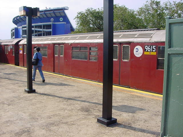 (60k, 640x480)<br><b>Country:</b> United States<br><b>City:</b> New York<br><b>System:</b> New York City Transit<br><b>Line:</b> IRT Flushing Line<br><b>Location:</b> Willets Point/Mets (fmr. Shea Stadium) <br><b>Route:</b> 7<br><b>Car:</b> R-36 World's Fair (St. Louis, 1963-64) 9615 <br><b>Photo by:</b> Salaam Allah<br><b>Date:</b> 9/21/2002<br><b>Viewed (this week/total):</b> 0 / 3451